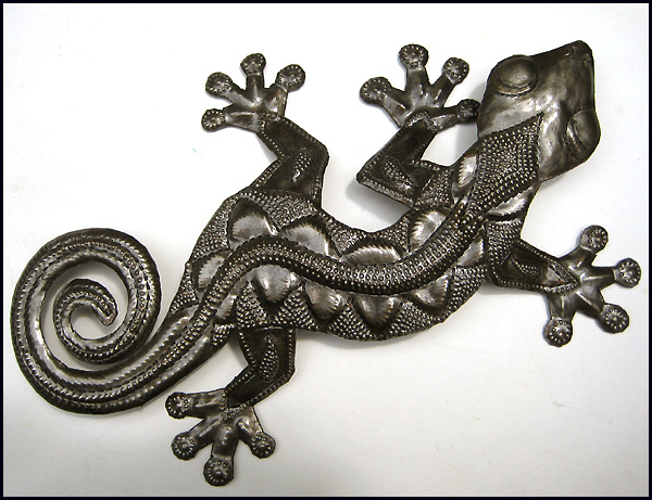 Haitian metal art gecko wall hanging.